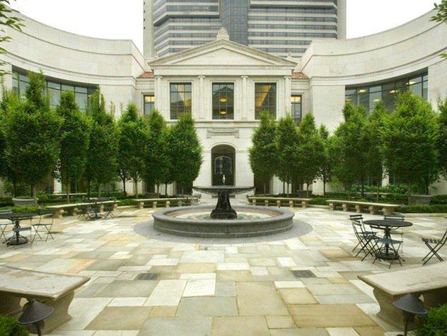 courtyard.jpe