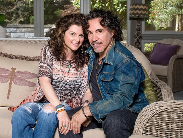 John Oates with endearing, Wife Aimee Oates