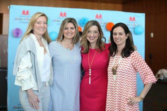 Lele-Thompson-Carrie-Playfair-Cindy-Comperry-Anna-Moran.jpe