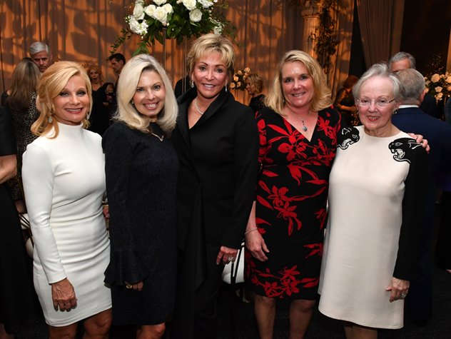 Janet-Ayers-Liz-Schatzlein-Anne-Russell-Nancy-Rutherford-and-Barbara-Bovender.jpe