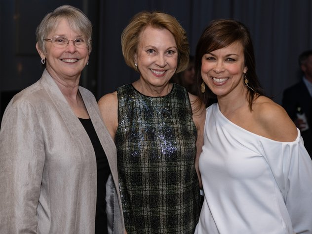 Cathy-Self-Sarah-Ann-Ezzell-Capucine-Monk----Family-and-Childrens-Services-Nashville-Winter-Lights--Fundraiser-by-Weatherly-Photography--.jpe