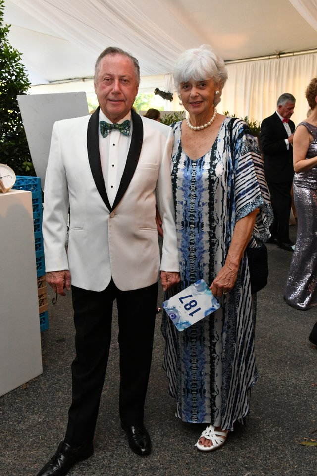 Calvin and Marilyn LeHew.JPG