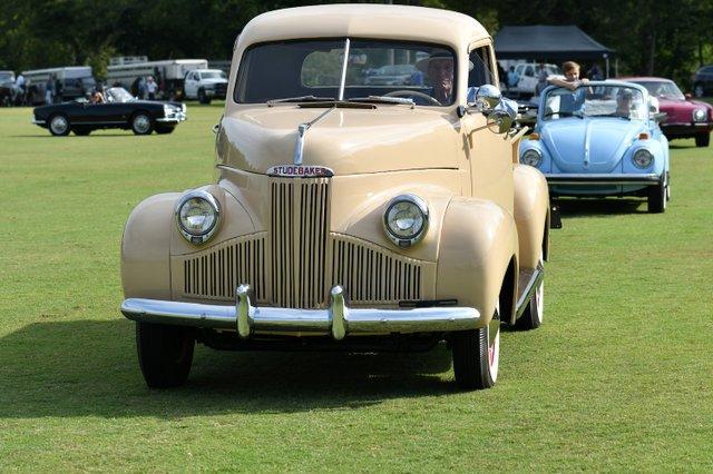 Classic car show (2).JPG