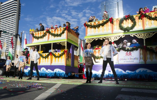 parade photo 2017 dancers and ch float.jpg
