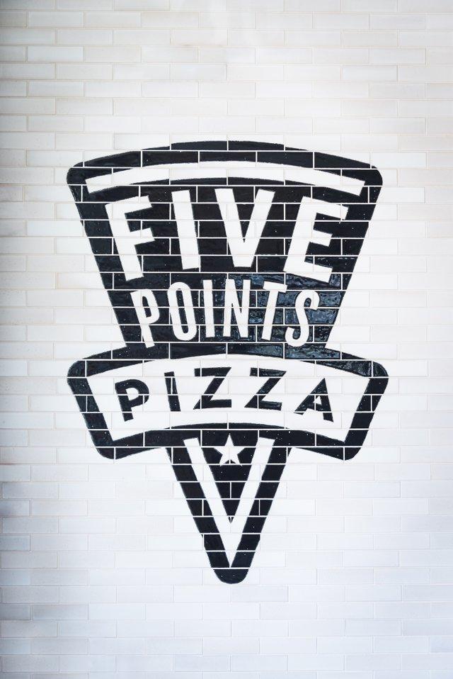 FivePointsPizza_2122.jpg