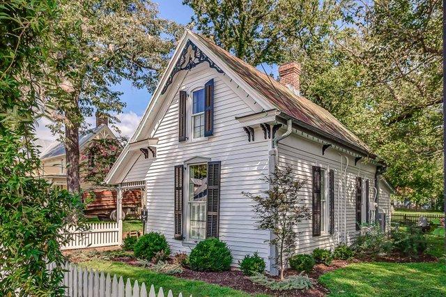 Room & Board_Sweeney Cottage_Image_5.jpg