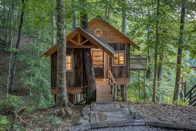 Room & Board_Center Hill Cabins_Image_5.jpg