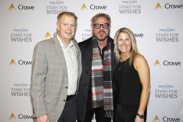 Barry and Angie Wilson with Phil Vassar.JPG