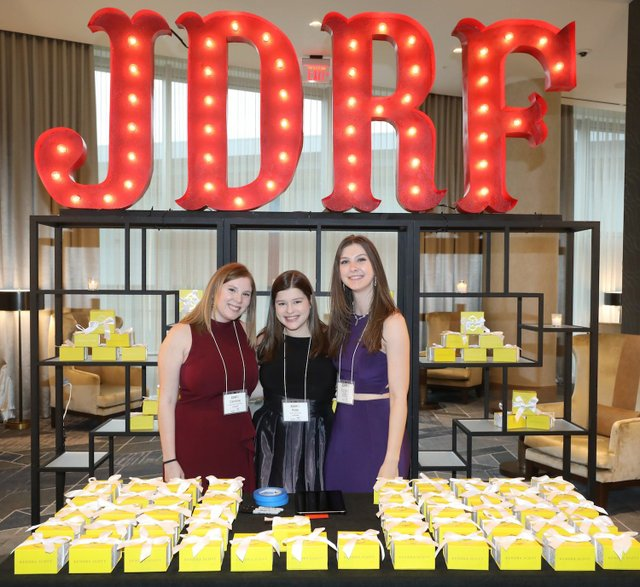 Caroline Baugher, Kate Didson, and Kristin Callahan at the Kendra Scott Jewelry Pull.jpg