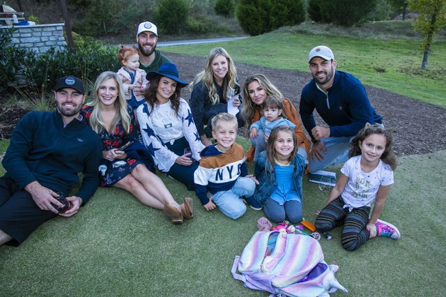 Jessie James Decker and Eric Decker family.jpg