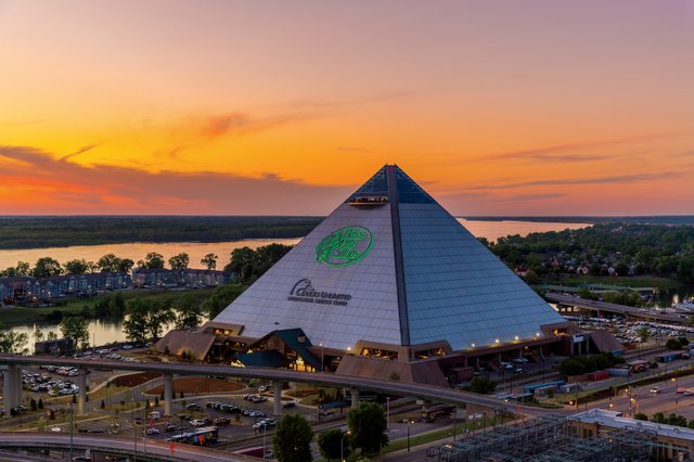 Bass Pro Shops at the Pyramid.jpg