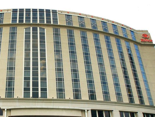 Hilton.jpe