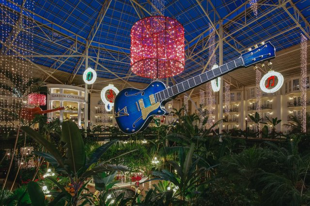 GO-Garden-Conservatory-Atrium-Christmas-02.jpg