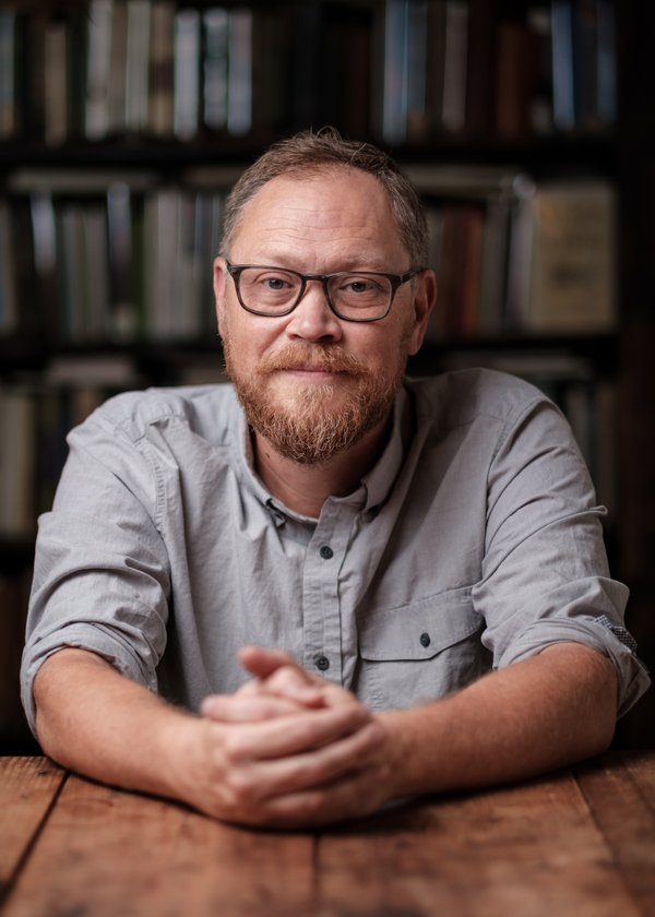 Andrew Peterson 4 ph cr Eric Brown.jpg
