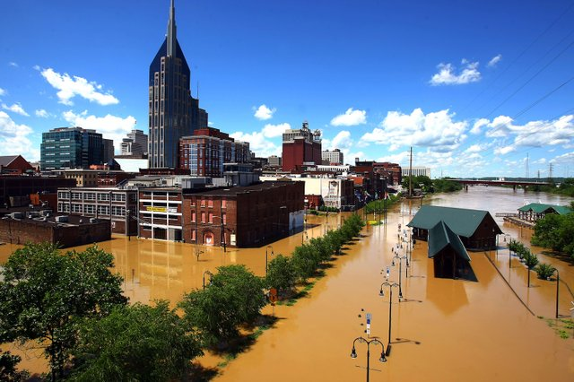NASBrd_02-27-2015_Tennessean_1_A005__2015_02_26_IMG_IMG_Flood_jump_photo_1_1_79A2S1RL_L571345829_IMG_IMG_Flood_jump_photo_1_1_79A2S1RL.jpg