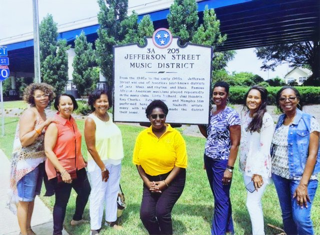 3_Nashville_Walking_Tour_w_United_Street_Tours_Jefferson_St.jpg