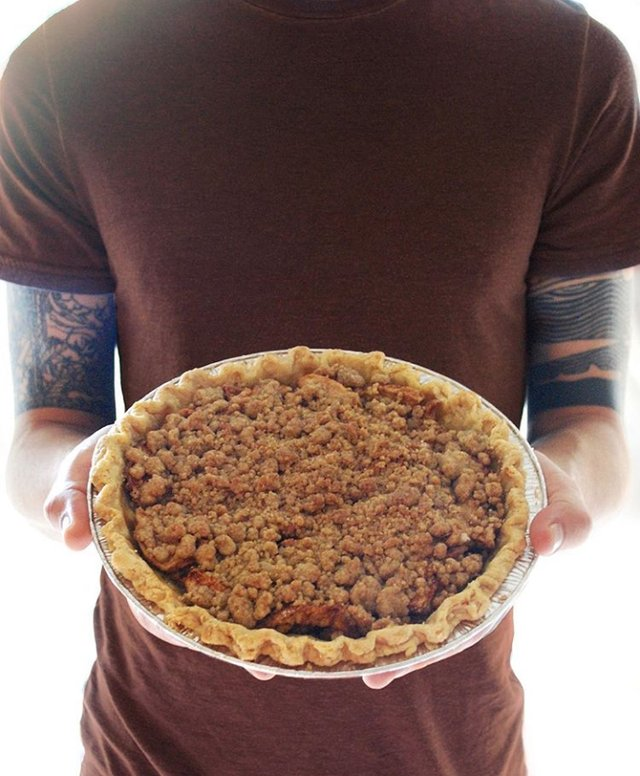 Apple Bourbon Crumb Pie.png