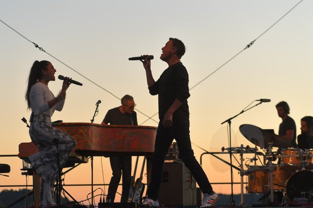 Michael W. Smith and Vanessa Campagna perform their #1 song ΓÇ£WaymakerΓÇ¥ at his drive-in concert in Franklin, TN on May 30, 2020.JPG