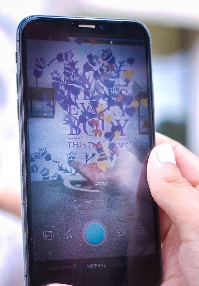 Phone Ar.jpg