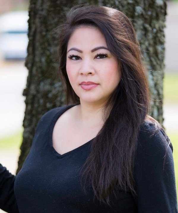 Nina Singto headshot.jpg