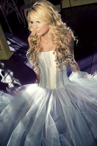-Taylor-Swift-.jpe