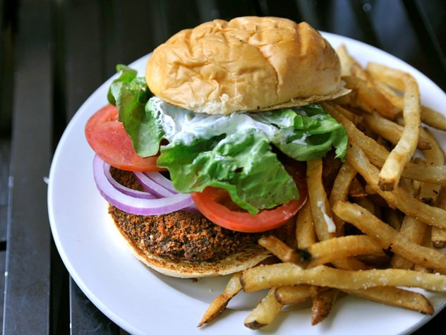Buger-Up-Marathon-Burger.jpe